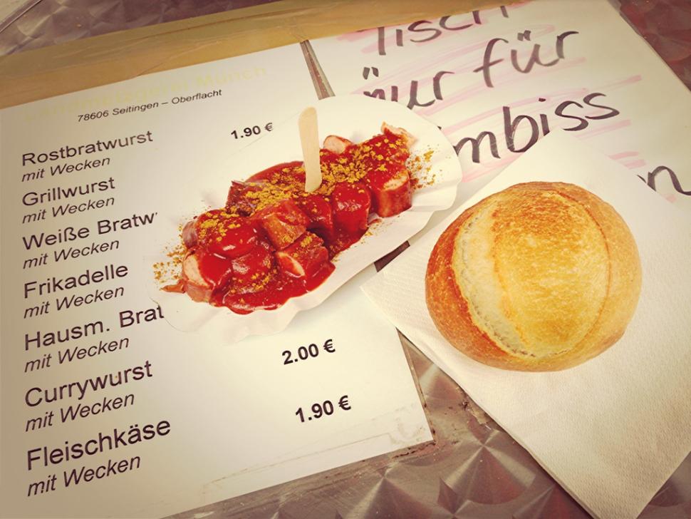 Currywurst am Stand der Landmetzgerei Münch
