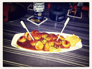 Currywurst im La Embajada
