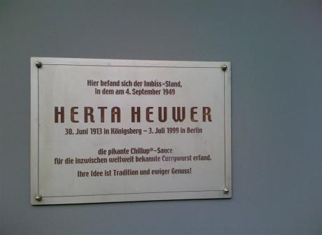 Herta Heuwer Gedenktafel