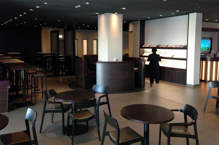 Aufenthaltsbereich in der Hugo Junkers Lounge