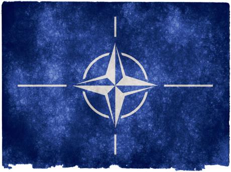 NATO Grunge-Flagge