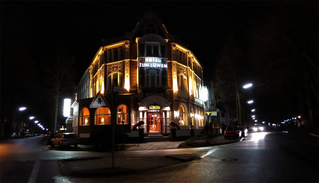 Hotel zum Löwen Bad Godesberg bei Nacht
