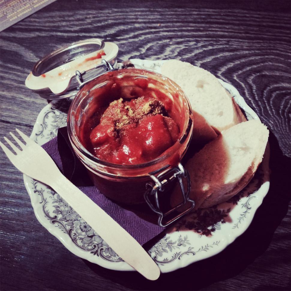 Vegane Currywurst in der Giesserei Konstanz