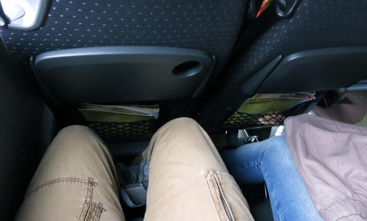 Sitzabstand mit 196 cm Körpergröße (links)