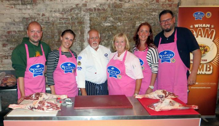 Blogger-Gruppenfoto mit Jacqueline O'Donnell und Viv Harvey