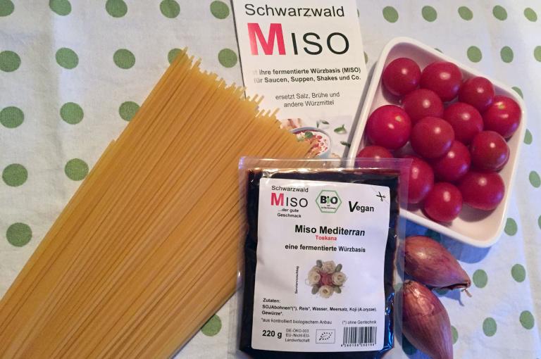 Zutaten Spaghetti mit Miso-Tomatensauce