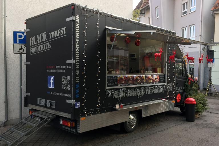Black Forest Foodtruck auf dem Weihnachtsmarkt Tuttlingen