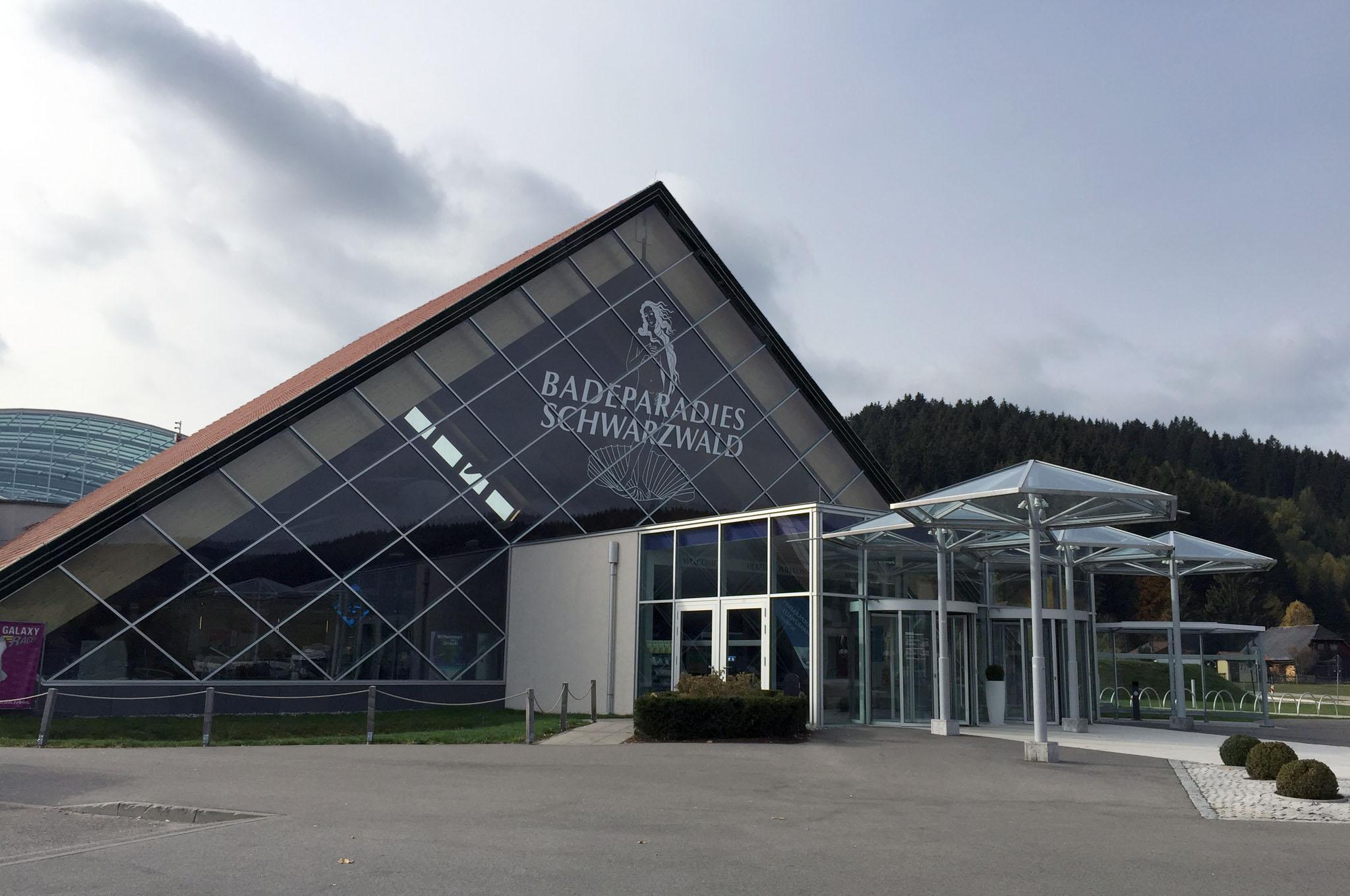 Ein Tag Im Badeparadies Schwarzwald Am Titisee It S A Hoomygumb