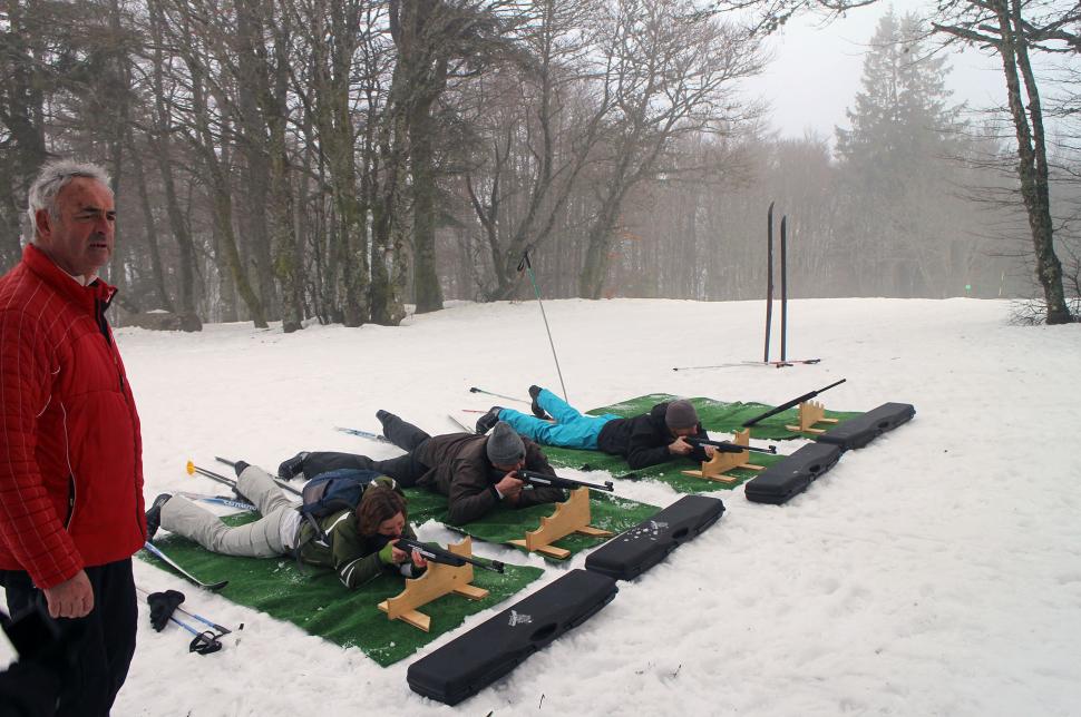 Schießübungen beim Laser-Biathlon